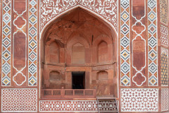 Design work on the entrance of Akbar's tomb